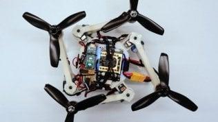 """Droni con 'ali pieghevoli' per passare ovunque. """"I soccorsi anche dove è impossibile"""" foto"""