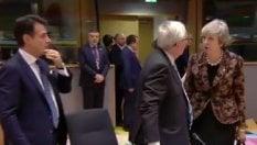 Theresa May affronta Juncker: Come mi hai chiamata?