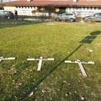 Bologna, minacce a dirigenti: tre croci con i nomi davanti al centro tecnico
