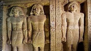 Egitto: scoperta tomba di oltre 4.400 anni. Statue e pitture dai colori intatti