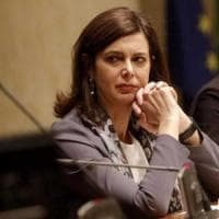 """Aggressione verbale a Laura Boldrini. Le urlano in faccia: """"Prima gli Italiani, vergogna"""""""