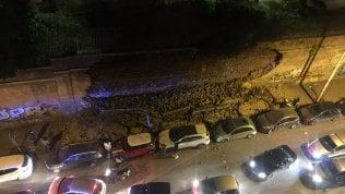 Crollato nella notte un lungo muro in centro a Roma: Un boato tremendo