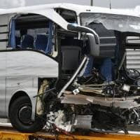 Pullman Flixbus partito da Genova si schianta sull'autostrada a Zurigo: muore italiana