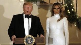 Trump parla di sanità, ma a far scalpore è il vestito di Melania