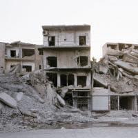 """""""Life, Still"""". Tra Mosul, Raqqa e Sirte: tracce di vita nelle macerie della guerra"""