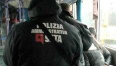 Modena, bimbo di 11 anni schedato sul bus perché paga 20 centesimi in meno