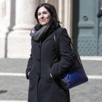 """Giallo sull'aggressione a Lapia (5S). Una testimone la smentisce, lei accusa: """"Disegno..."""