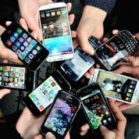 Studio scagiona cellulari: