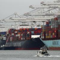 Il commercio globale frena, ma Trump non ferma gli scambi