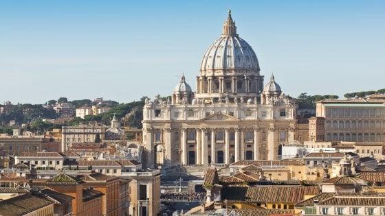 """Abusi sessuali: """"In pericolo la credibilità della Chiesa"""". La lettera della Commissione vaticana"""