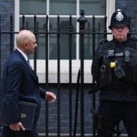 Navi per scorte di cibo e medicine e 3500 soldati in allerta: così Londra si prepara alla...