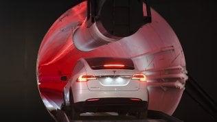 Prima prova per il tunnel sotterraneo di Musk dedicato alle auto a guida autonoma foto