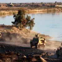 Gli Stati Uniti preparano il ritiro delle truppe dal nord-est della Siria controllato dai...