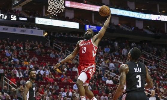 Basket, Nba: Belinelli e San Antonio sorridono, Houston decolla con il record