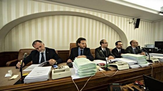 """Manovra, caos al Senato: Pd abbandona la Commissione: """"Umiliati"""". Pesco (M5s) in Aula: """"Lavori non finiti, che fare?"""""""