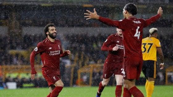 Inghilterra: il Liverpool vince a Wolverhampton e resta in vetta