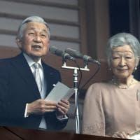 Il Giappone celebra Akihito, l'imperatore della pace