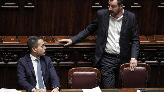 """Manovra, Salvini: """"Do voto 7, è solo l'inizio del percorso"""". E Di Maio ripubblica la lista delle cose fatte"""