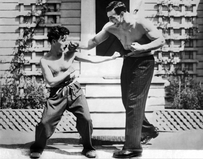 Charlie Chaplin: le immagini di una vita straordinaria tra cinema, politica e sport