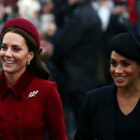 Gb, la Regina con i nipoti ma senza principe Filippo alla messa di Natale. Torna l'armonia tra Kate e Meghan