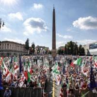 Primarie Pd, gli ultimi sondaggi: Zingaretti avanti e Martina cresce nei consensi