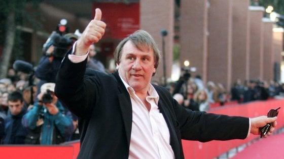 """I 70 anni di Gérard Depardieu: """"Odio i festeggiamenti, ma amo leggere a voce alta per me"""""""