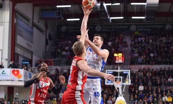 Basket, serie A: Trieste sgambetta Venezia, Cremona sbanca anche Brindisi