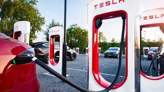 Tesla annuncia colonnine per le auto elettriche in tutta Europa nel 2019