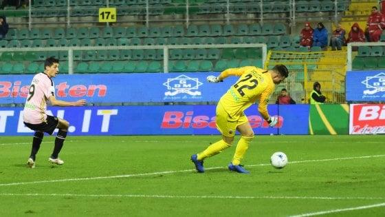 Serie B, il Palermo si riprende la vetta solitaria. Salgono Verona e Pescara