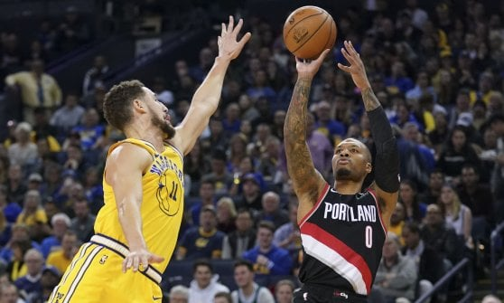 Basket, Nba: cadono Warrios e Lakers. Super Harden affonda i Celtics