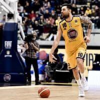 Basket, Torino nel caos: dopo Larry Brown tagliato Delfino