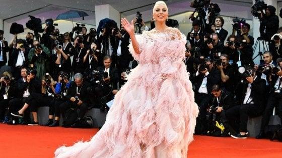 Il nuovo anno di Lady Gaga tra Las Vegas, le nozze a Venezia e una chitarra Swarovski