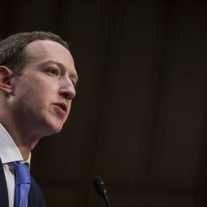 """Zuckerberg e l'anno nero di Facebook: """"Serviranno anni per risolvere i problemi"""""""