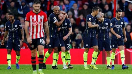 City-Liverpool 2-1, Guardiola a -4 da Klopp: Premier riaperta