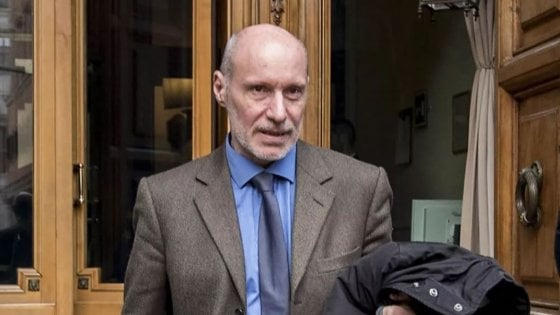 """M5S: espulsi De Falco, De Bonis, Moi e Valli. L'ex ufficiale di Marina: """"Amareggiato"""". Di Maio: """"Nessuno è indispensabile"""""""