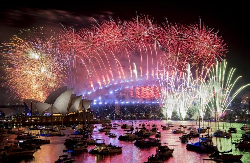 Capodanno, il mondo saluta il 2019