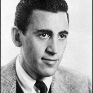 Salinger e 'Il giovane Holden': le ansie assolute della giovinezza nel romanzo icona del Novecento