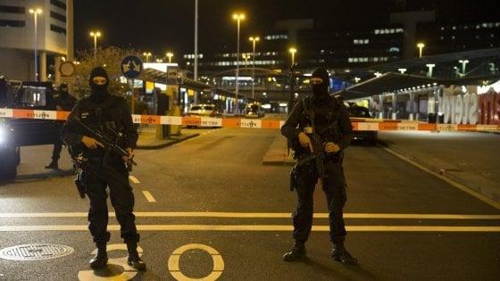 Amsterdam, falso allarme bomba all'aeroporto