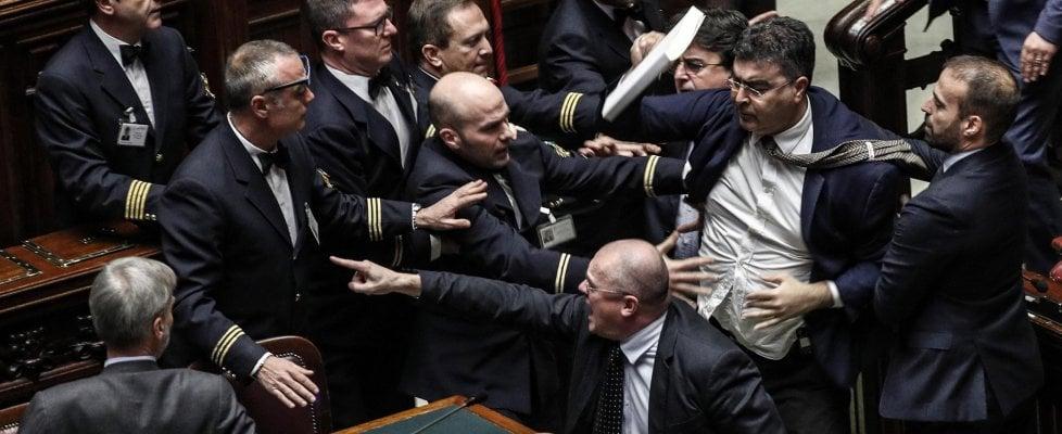 """Manovra, Fico a Questori: """"Valutare profilo disciplinare durante bagarre"""". Sarà usata la Var"""