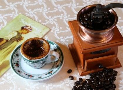 Gran Caffè Gambrinus: tra caffè e sfogliatelle qui è passata la storia di Napoli