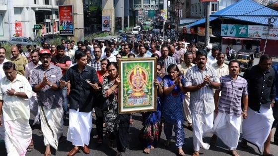 Kerala, nuova sfida al divieto religioso: terza donna nel tempio indù