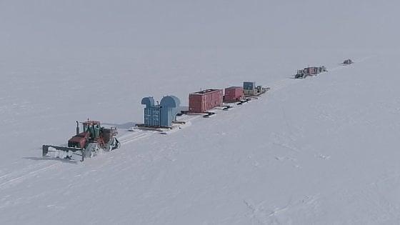 Antartide, raggiunto lago un chilometro sotto al ghiaccio
