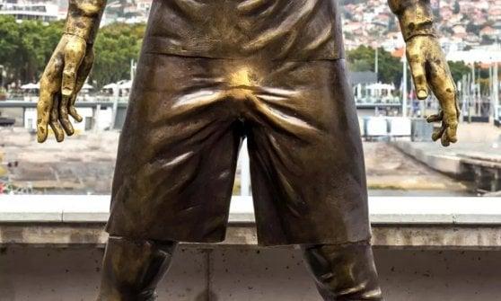 Ronaldo, la statua di Funchal diventa virale... per le sue parti basse