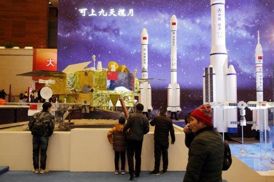 La sonda cinese Chang'e-4 è atterrata sul lato nascosto della luna