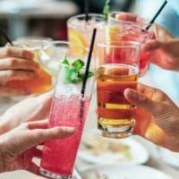 Buoni propositi per il 2019: smettere di fumare è più facile se si riduce l'alcol