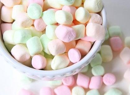 Nuvole e zucchero: come fare i Marshmallows (in tempo per la Befana)