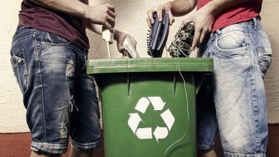 Lavatrici, forni, boiler: ecco i rifiuti elettronici degli italiani