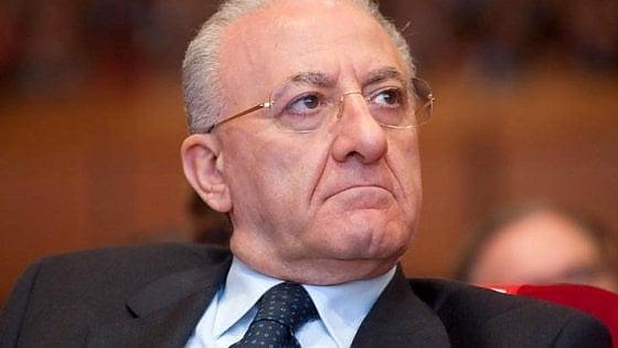 """Autonomia, cresce l'allarme. Il governatore De Luca a Conte: """"Unità a rischio"""". Carfagna: """"I costi non siano scaricati sul sud"""""""