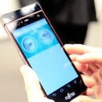 Verso smartphone più longevi con un nuovo microinterruttore
