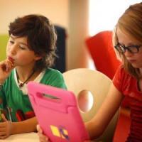 """""""Non demonizzate smartphone e tablet, non fanno male ai bambini"""""""